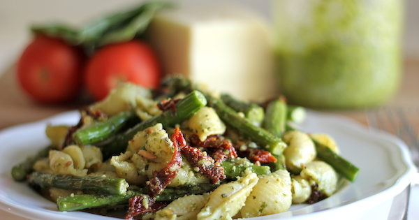 Pesto Pasta With Sun Dried Tomatoes And Roasted Asparagus Damn Delicious