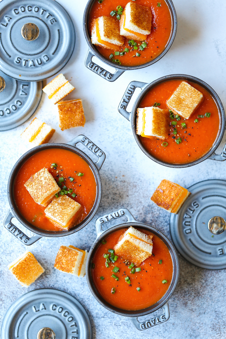 """Creamy Tomato Soup with Grilled Cheese """"Croutons"""" - Everyone's favorite tomato soup with the most perfect mini grilled cheese bites! So comforting, so cozy."""