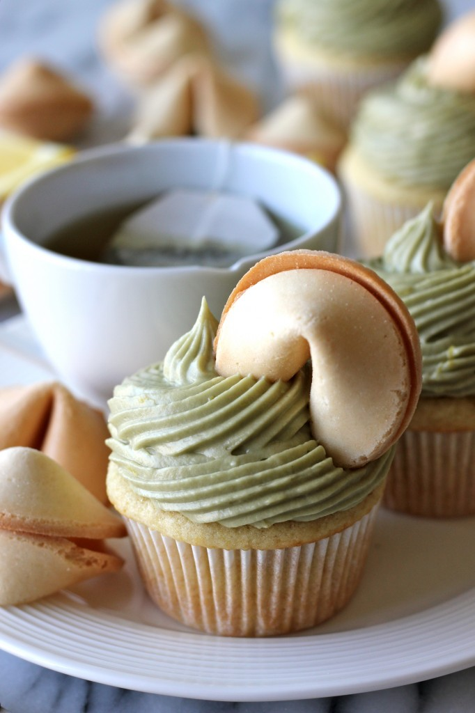 Green Tea Cupcakes with Matcha Cream Cheese Frosting - A deliciously moist cupcake infused with antioxidant-rich green tea!