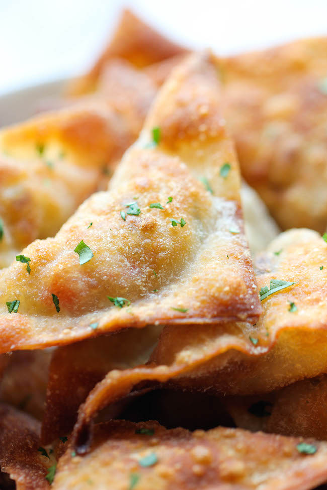Southwest Wontons - Crispy wontons loaded with southwest, cheesy goodness. And you won't believe how easy this is to whip up!