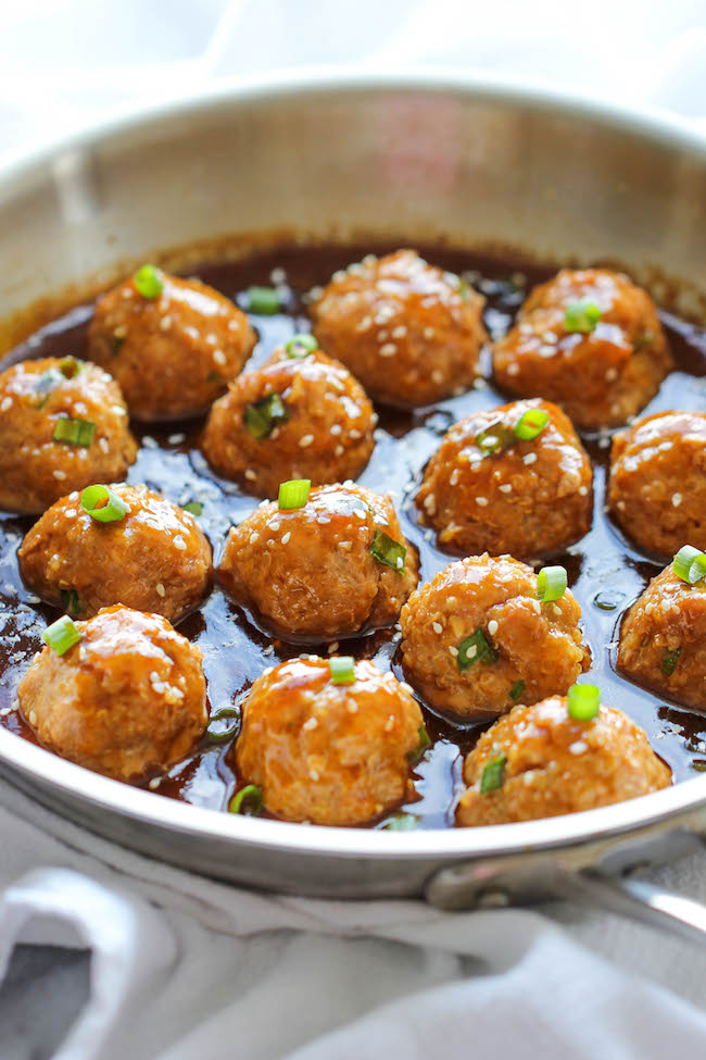 Asian Quinoa Meatballs - Healthy, nutritious and packed with so much flavor. Perfect as an appetizer or a light dinner!