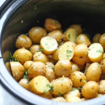 Slow Cooker Garlic Parmesan Potatoes