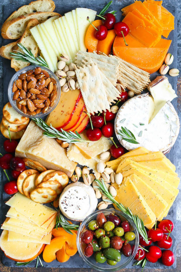 Christmas Cheese Board Ideas.How To Make An Easy Cheese Board In 10 Minutes