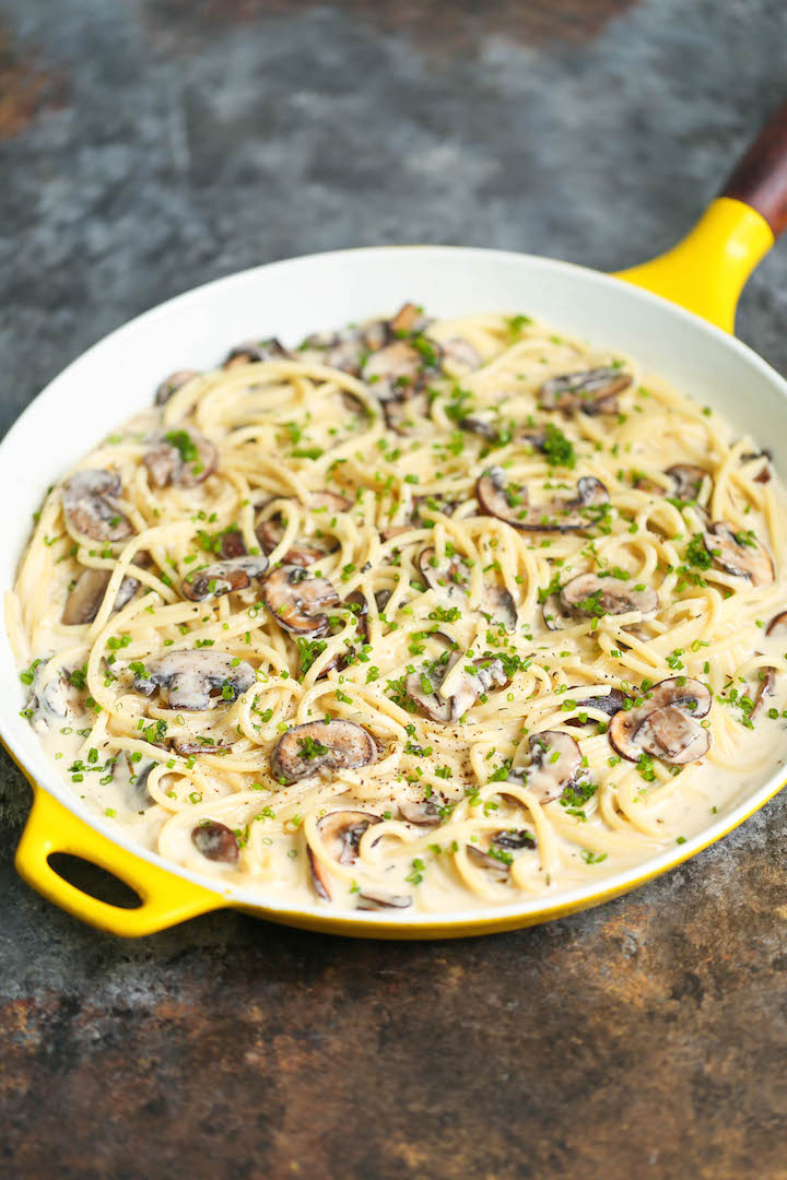 Spaghetti With Mushroom Herb Cream Sauce Damn Delicious