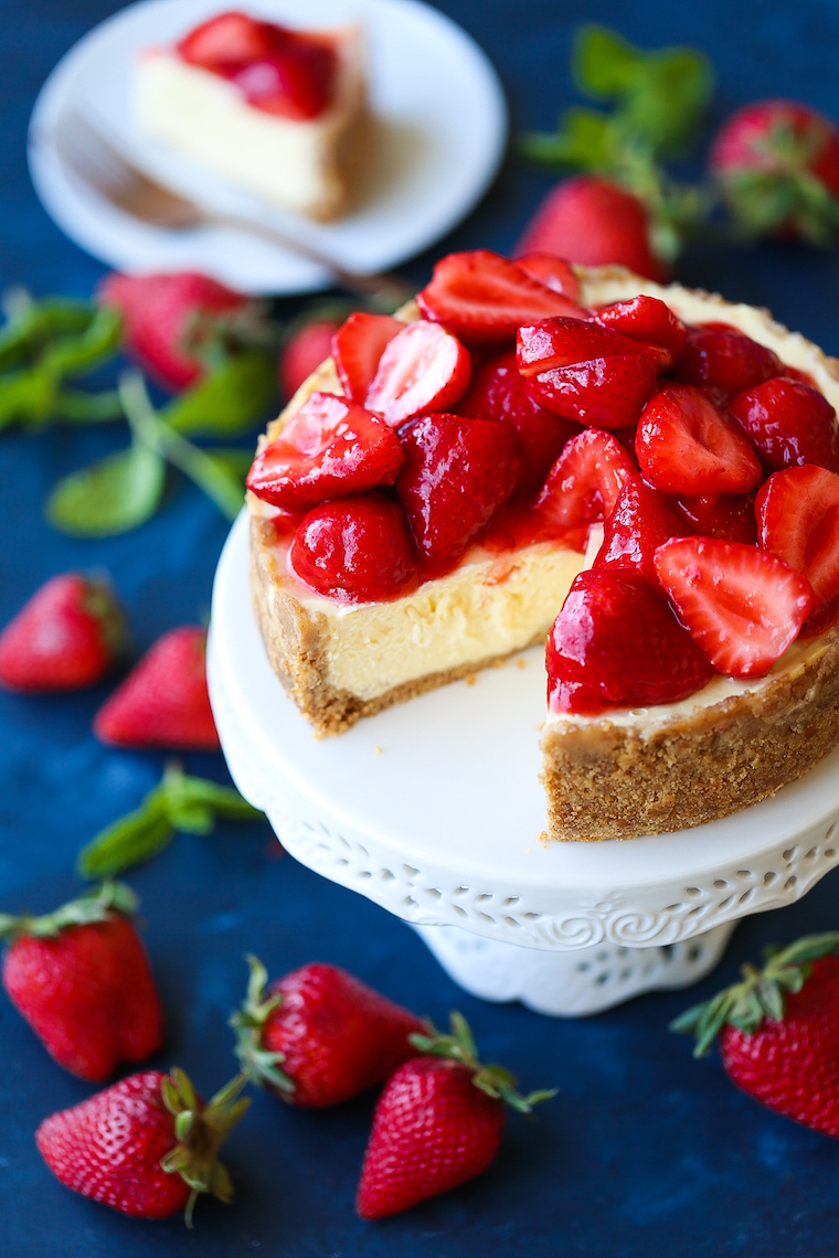 Perfect Instant Pot New York Cheesecake - Yes, you can make this in your pressure cooker! It's so creamy, rich & smooth with NO CRACKS! It's simply PERFECT!