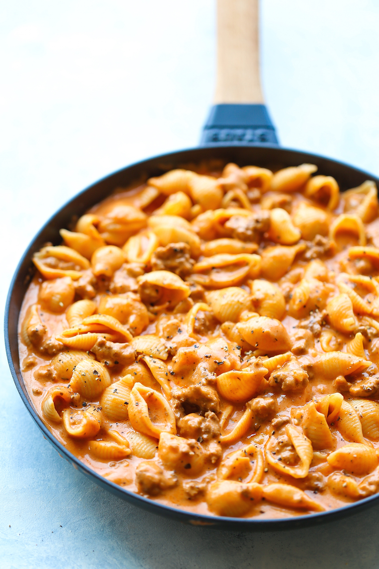 Creamy Beef and Shells - A quick/easy ground beef recipe, this is a pasta dish that will be on your dinner table all week long! So creamy and so comforting!