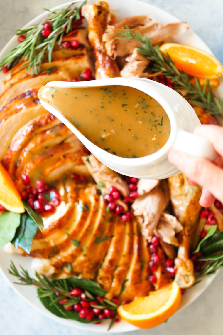 How to Make the Best Turkey Gravy - This is simply the most perfect gravy for your Thanksgiving turkey using pan drippings! So rich, so smooth and so easy!