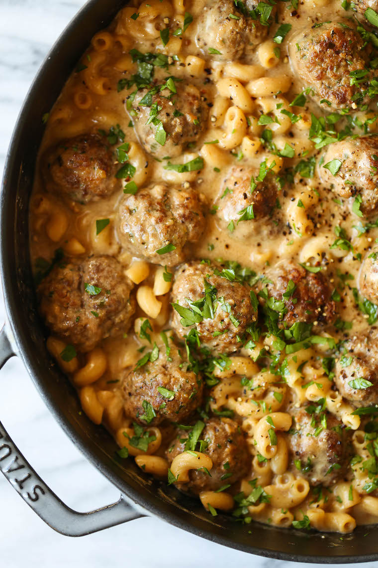 Swedish Meatball Pasta - Everyone's favorite Swedish meatballs with pasta noodles tossed right into that cream sauce goodness. So heavenly, so good.