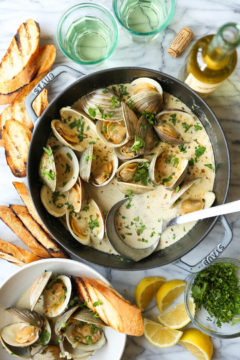 Garlic Butter Clams with White Wine Cream Sauce